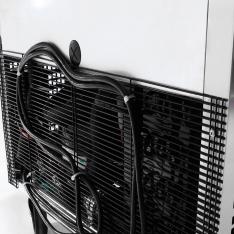 Mesa bajo barra refrigerada de 2 puertas con 17.2 pies³ MGF8403GR