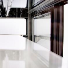 Vitrina refrigerada rectangular de piso, de 290 Lts. de capacidad WDF097F